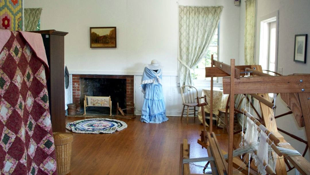 Period clothing and textile exhibits