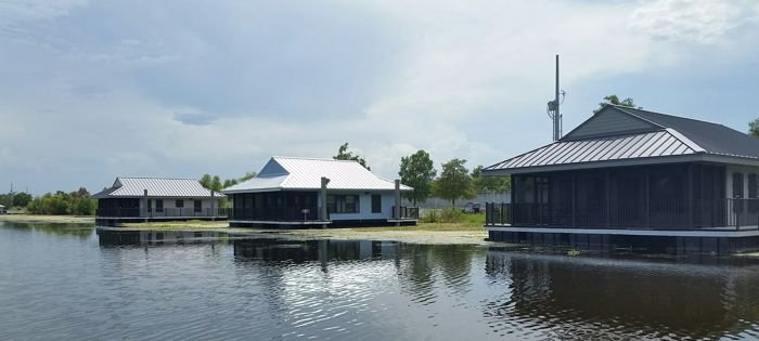 Exterior shot of cabins at Bayou Segnette SP.