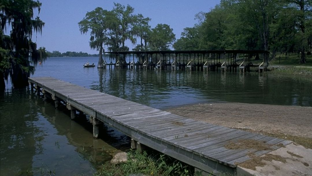 Boat ramp to enjoy fishing and watersports